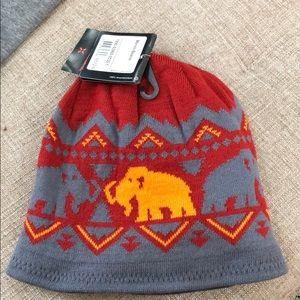 eefa9dc056c mammut Accessories - Mammut Merino Beanie grey red double side hat NWT